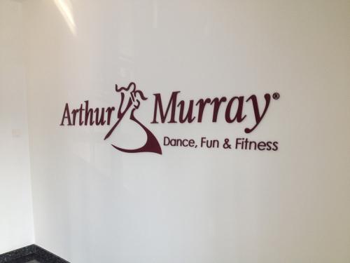litere forex vopsite Arthur Murray (1)