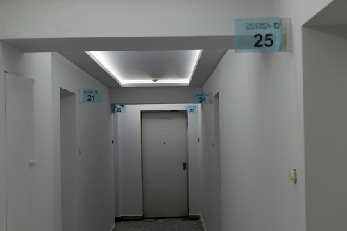 placi plexiglas signalistica apartamente